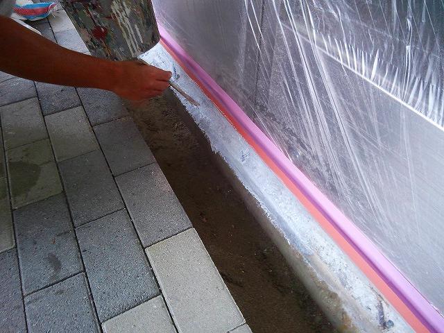 止水板(防潮板)の床面平滑処理_インターロッキングの場合_施工中2