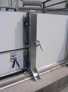 止水板(防潮板)と止水扉(防潮扉)と脱着式中間柱の施工例